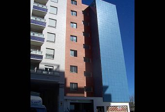 Edificio de 7 viviendas, local y garajes en Castellón